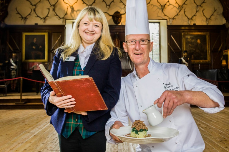 Chef Gordon Urquhart and Castle Archivist Keren Guthrie 2 (2)