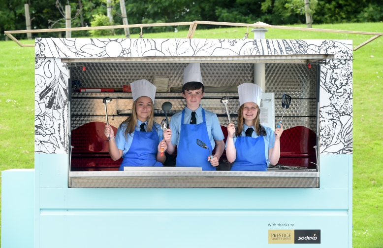 LM_Sodexo_Food Social_Gracemount_High_School_015